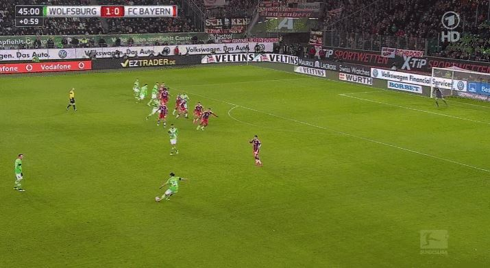 Bas Dost trifft zum 2:0 gegen den FC Bayern München